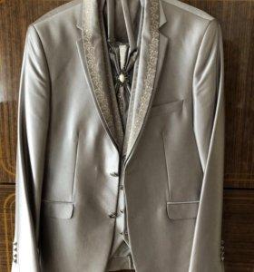 Костюмы, пиджак и куртка