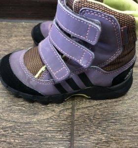 Ботинки Adidas детские р.25