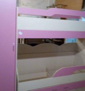 Детская (шкаф и кровать двухъярусная)