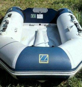Лодка Zodiak Cadet 285 и мотор Mercury 8
