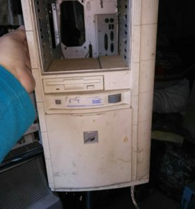 Блок компьютерный ( пустой)