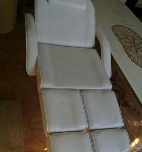 Косметологическая,массажное кресло.