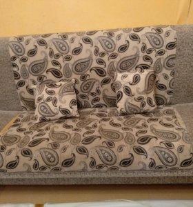 Продам диван и два кресла б/у