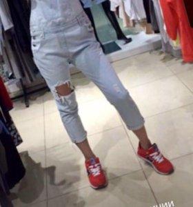 Продам новый джинсовый комбез р 42