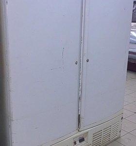 Морозильный шкаф глухого типа дверь