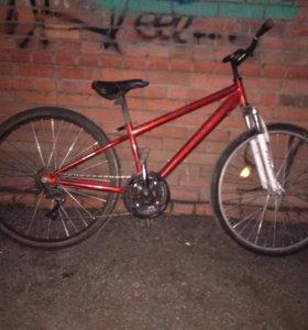 Велосипед, в плохом состоянии.