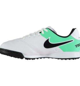Бутсы (сороконожки) Nike.