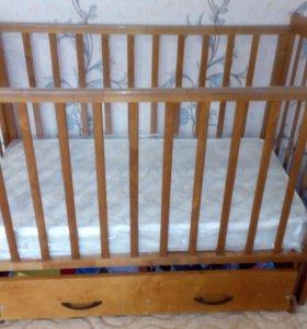Детская кроватка С выдвижным ящиком