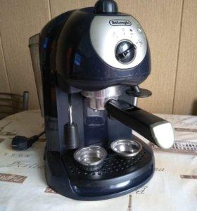 Кофеварка рожковая Делонги