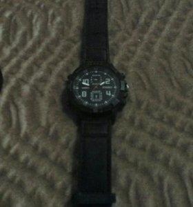 Продаю часы.