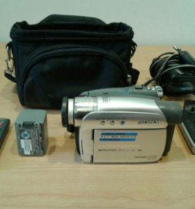 Видеокамера Sony DCR-HC46E