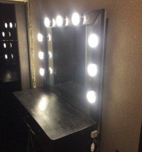 Зеркало для макияжа с лампами столиком и ящиком