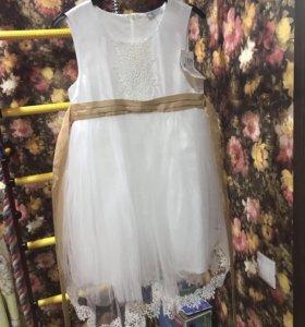 Новое платье с этикеткой для принцессы