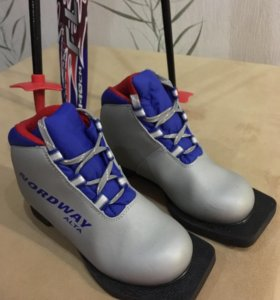 Зимние лыжи, размер 140 см, ботинки 30 р-р