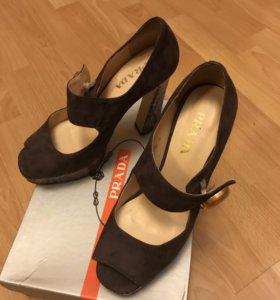 Женская обувь в Симферополе - купить модные туфли, сапоги, кроссовки ... 8ad4de5da2a