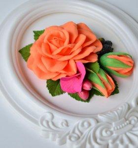 Заколка с цветами и ягодами