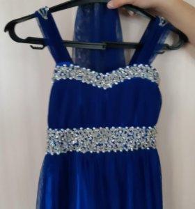 Платье для девочки,одевали пару раз.