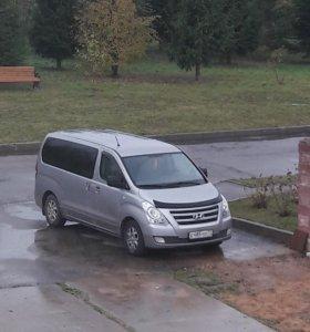 Аренда авто минивэна Хёндай Старекс с водителем