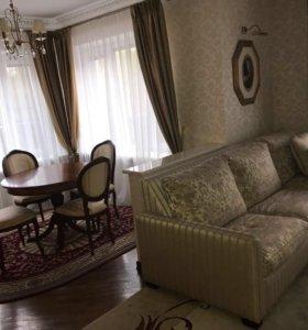 Квартира, 5 и более комнат, 210 м²