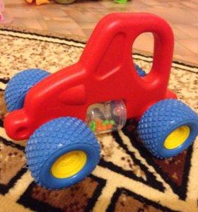 Машинка с погремушкой