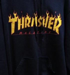 "Синяя толстовка ""THRASHER""."