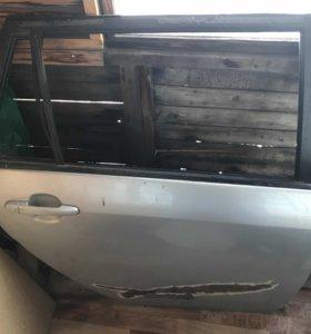 Задняя правая дверь от филлер 121 кузова