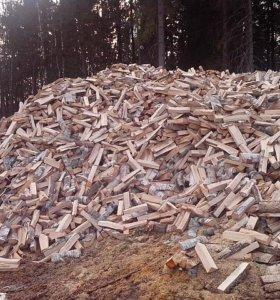 Колотые сосновые дрова