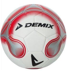 Мяч футбольный новый