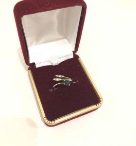 Кольцо золотое с сапфиром