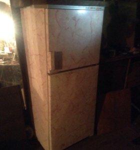 Холодильник 2х камерный