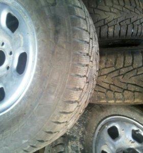 Шипованные шины c дисками