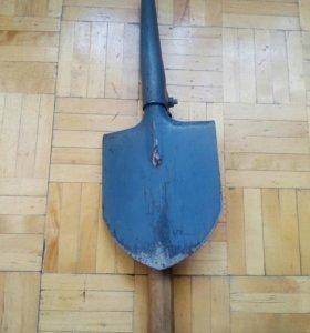 Лопата складная с киркой СССР