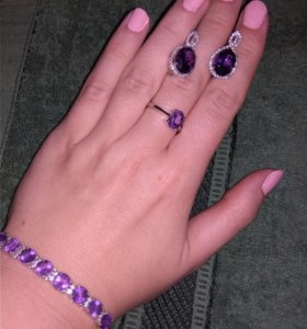 Шикарное кольцо с аметистами
