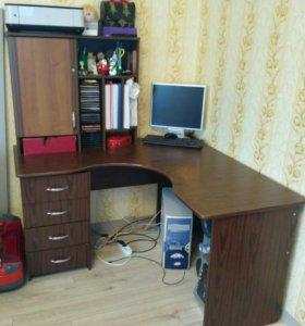 Стол компьютерный письменный угловой