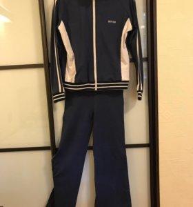 Спортивный костюм 44 р