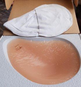 Экзопротез груди новый.