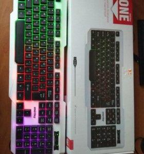 Игровая клавиатура с подсветкой.