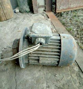 Электродвигатель 3-х фазный
