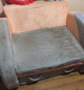 Продаётся кресло.