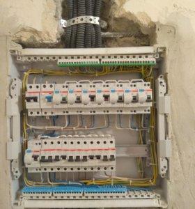 Электрик (электромонтажник)