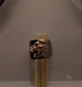 кольцо мужское с камнем (лев)