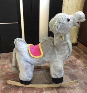 Качалка верблюд