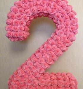 Цифра 2 и цветы для фотозоны