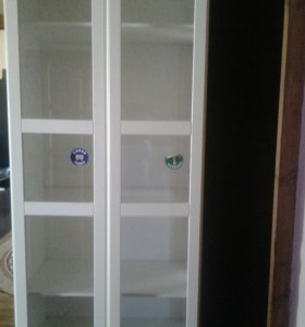 Шкаф универсальный с двумя стеклянными дверями