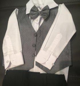 Нарядный костюм на мальчика + подарок