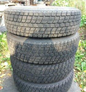 Продам комплект зимних колес р13
