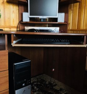 Четырёхъядерный ПК,стол, музыкальный проигрыватель