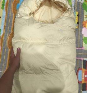 Пуховой конверт в коляску