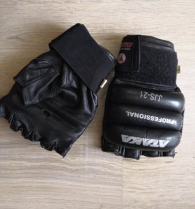 Перчатки кожаные для единоборств (ММА)