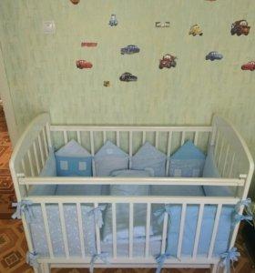 Кроватка детская с матрасом.
